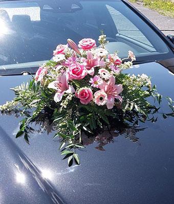 Blumenschmuck Auto Hochzeit